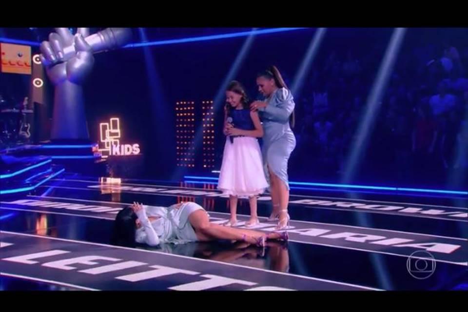 Simaria simulou desmaio em programa da Globo