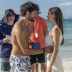 José Condessa e Juliana Paiva em gravação de Salve-se Quem Puder realizada em Cancún, no México (Foto: Globo/João Miguel Junior)