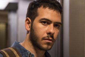 Antonio Benício interpreta Vinícius em Amor de Mãe; jovem terá segredo descoberto por Raul (Foto: Globo/Estevam Avellar)