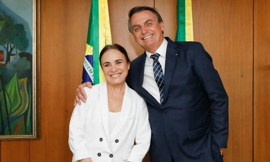 A atriz Regina Duarte ao lado do presidente Jair Bolsonaro - Foto: Reprodução
