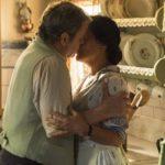 Alfonso beija Lola em cena de Éramos Seis