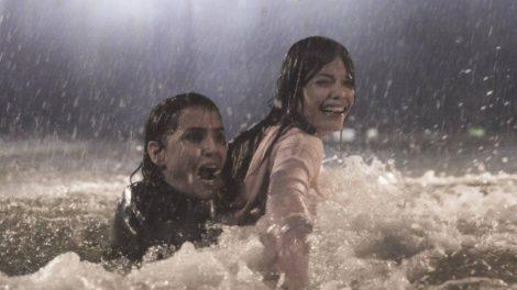 Alexia e Kyra vivem o horror na própria pele em Salve-se Quem Puder