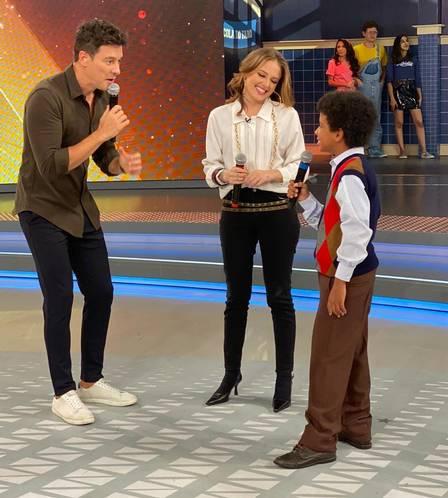 O apresentador no Hora da Faro com Guilherme e Brenda (Foto: Divulgação/ RecordTV) Rodrigo Faro