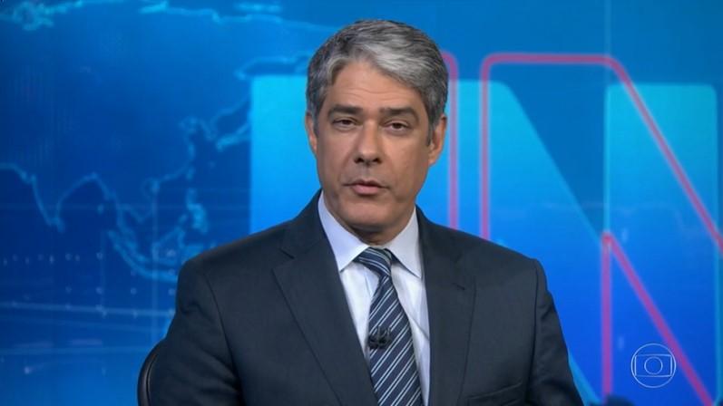 William Bonner no comando do Jornal Nacional, que teve mais ibope que Amor de Mãe (Foto: Reprodução/Globo)