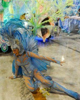 Claudia Raia, Ana Hickmann e outras famosas levam tombo durante carnaval e indenização de mais de 700 mil é paga (Foto: reprodução)