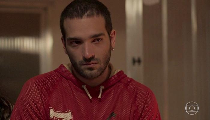 Sandro (Humberto Carrão) cometerá crime em Amor de Mãe (Foto: Reprodução/Globo)