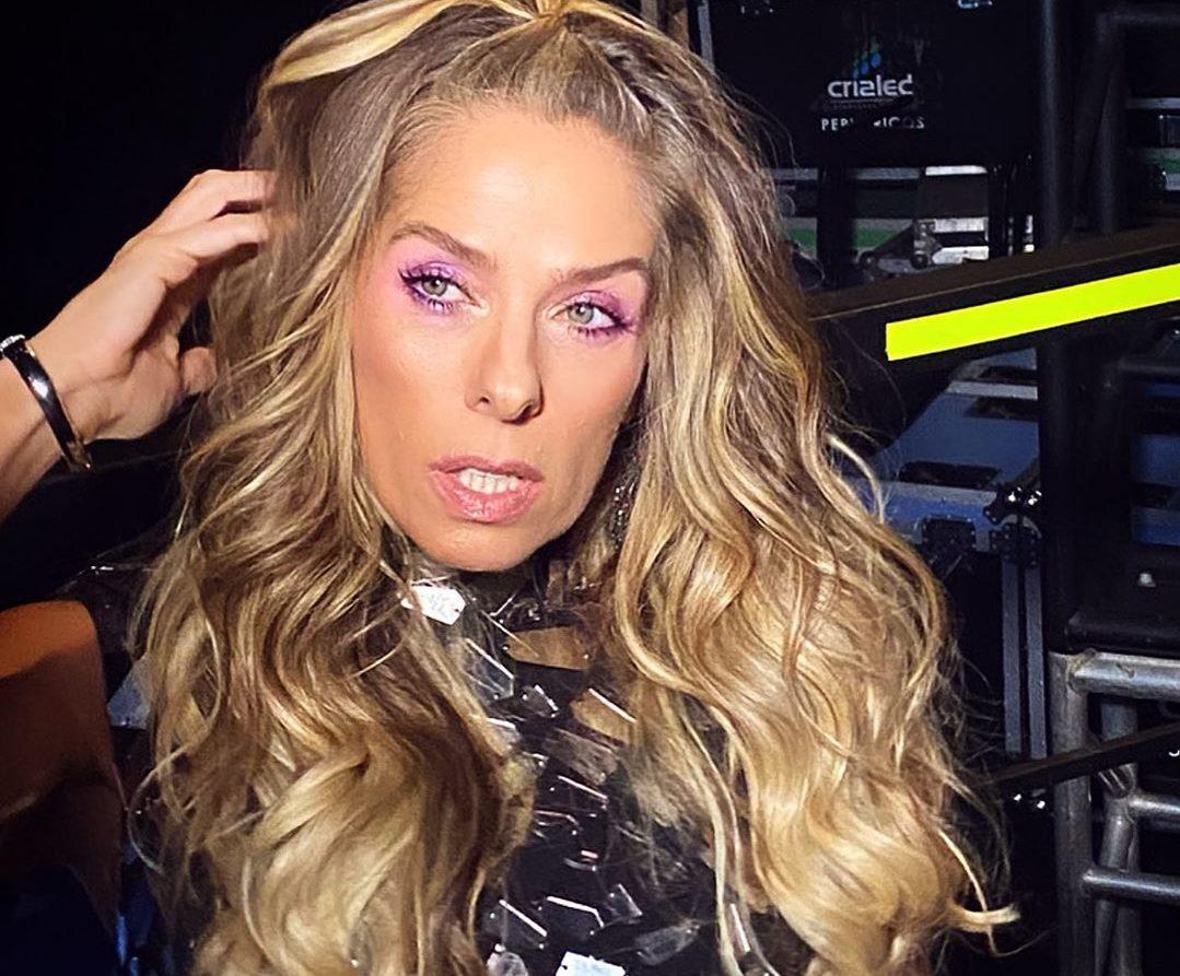 A famosa modelo e ex-apresentadora da Band, Adriane Galisteu se tornou um dos assuntos mais comentados da internet ao aparecer com máscara em meio a polêmica de coronavírus (Foto: Reprodução/Instagram)