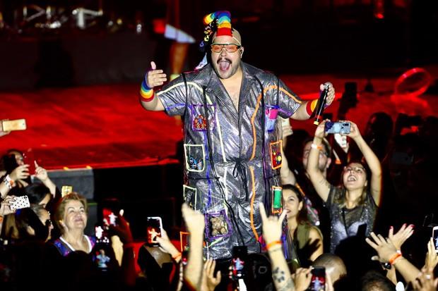 Tiago Abravanel no seu 'Baile do Abrava' (Foto: Reprodução)