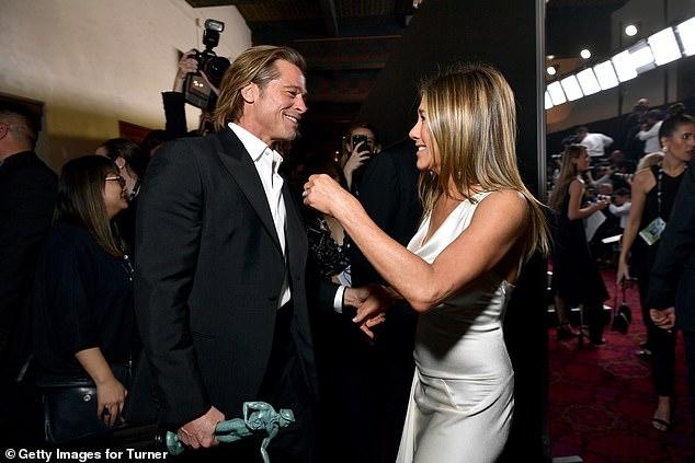 Brad Pitt e Jennifer Aniston se pronunciam e afirmam que não estão juntos (Foto: Reprodução)
