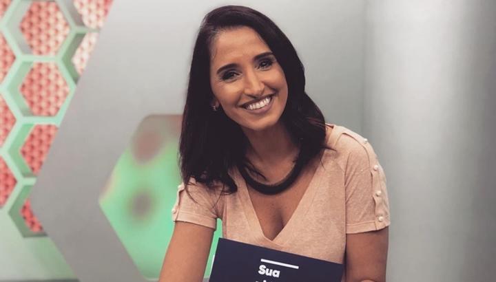 Apresentadora Alice Bastos Neves fez anúncio ao vivo no Globo Esporte. (Foto: Reprodução)