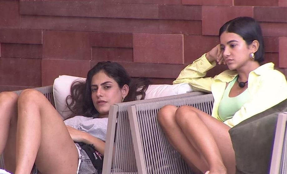 Manu e Mari conversam no BBB20 (Foto: Reprodução)
