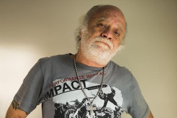 Tonico Pereira enfrenta luta contra o vício do cigarro (Foto: Reprodução)