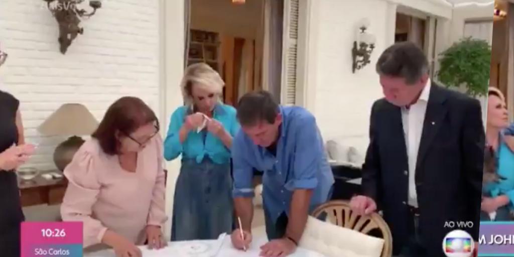 Ana Maria Braga se casou com Johnny Lucet de surpresa na casa dela neste fim de semana (Foto reprodução)