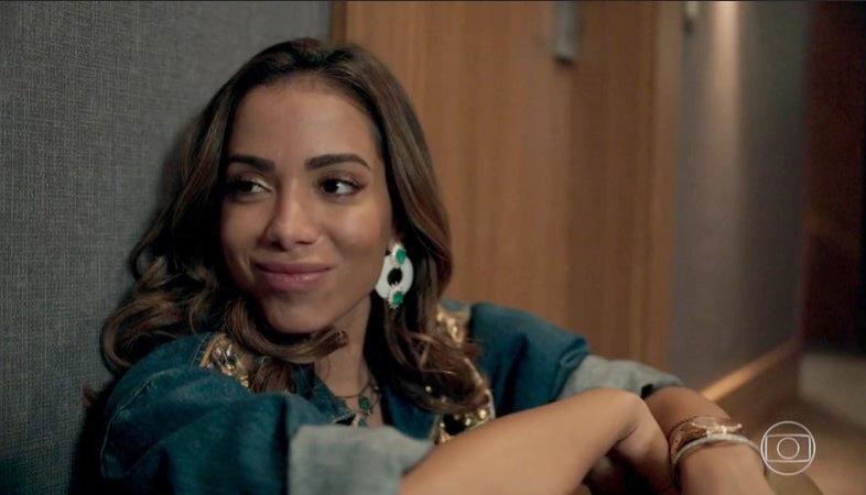 Anitta em sua participação na novela Amor de Mãe como Sabrina (Foto: Reprodução/Globo)