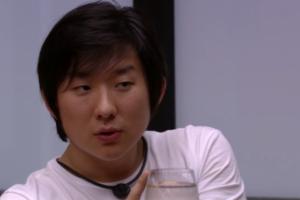 Pyong Lee durante conversa no BBB20; brother disse que terá que ser o vilão do programa (Foto: Reprodução/BBB)