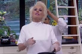 Abelha pousa no cabelo de Ana Maria ao vivo (Foto: reprodução)