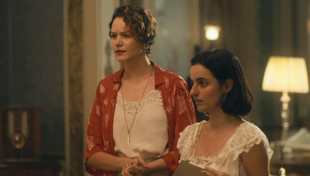 Adelaide (Joana de Verona e Justina (Júlia Stockler) em Éramos Seis (Foto: Reprodução/Globo)