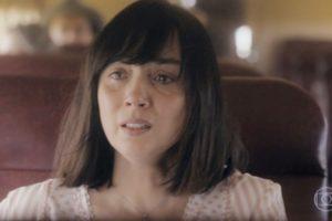 Clotilde (Simone Spoladore) será atacada por viver com homem separado em Éramos Seis (Foto: Reprodução/Globo)