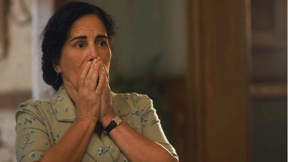 Lola fica sem palavras ao ver Carlos batendo em Isabel em Éramos Seis
