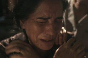 Gloria Pires ganha elogios de público e críticas com fortes cenas em Éramos Seis (Imagem: Reprodução)