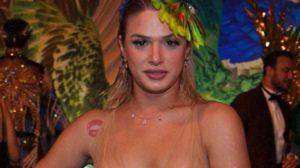 Glamour Garcia apostou em vestido transparente para curtir o Carnaval (Foto: Roberto Filho)