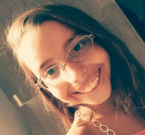 Emanuela Medeiros morreu com a brincadeira (Foto: reprodução)