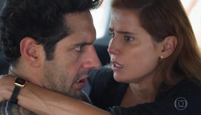 João Baldasserini e Deborah Secco em cena de Salve-se Quem Puder, que teve ótima audiência (Foto: Reprodução/Globo)