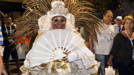 Jojo Todynho exibiu os seios durante o desfile da Beija-Flor na Marquês de Sapucaí, nesta terça-feira (25) (Foto: Reprodução)