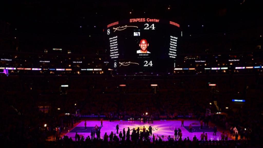 Los Angeles Lakers presta homenagem ao Kobe Bryant grande astro do basquete (Foto: Reprodução/Uol)