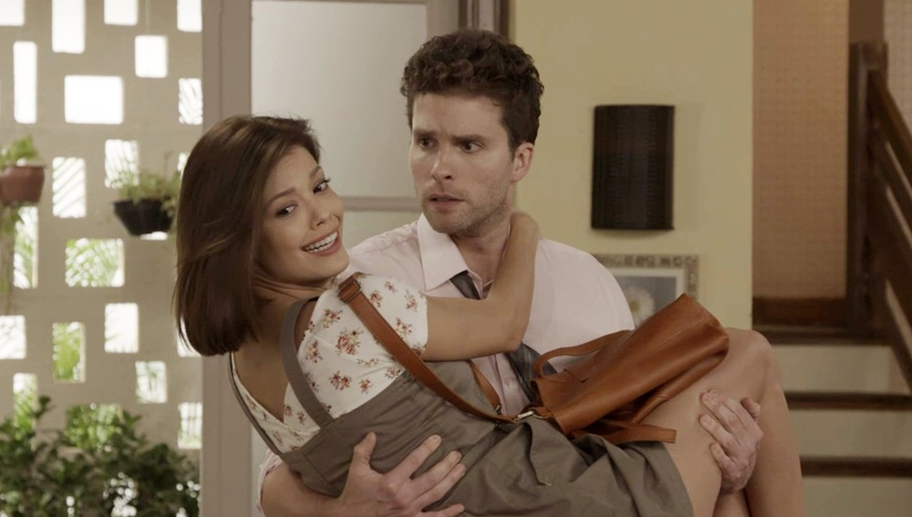 Kyra e Alan em cena de Salve-Se Quem Puder (foto: divulgação/TV Globo)
