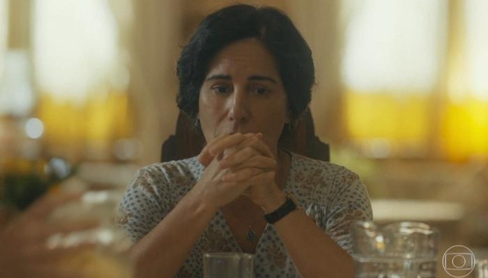 Lola (Gloria Pires) sofrerá com sumiço do amado e temerá nova perda em Éramos Seis (Foto: Reprodução/Globo)