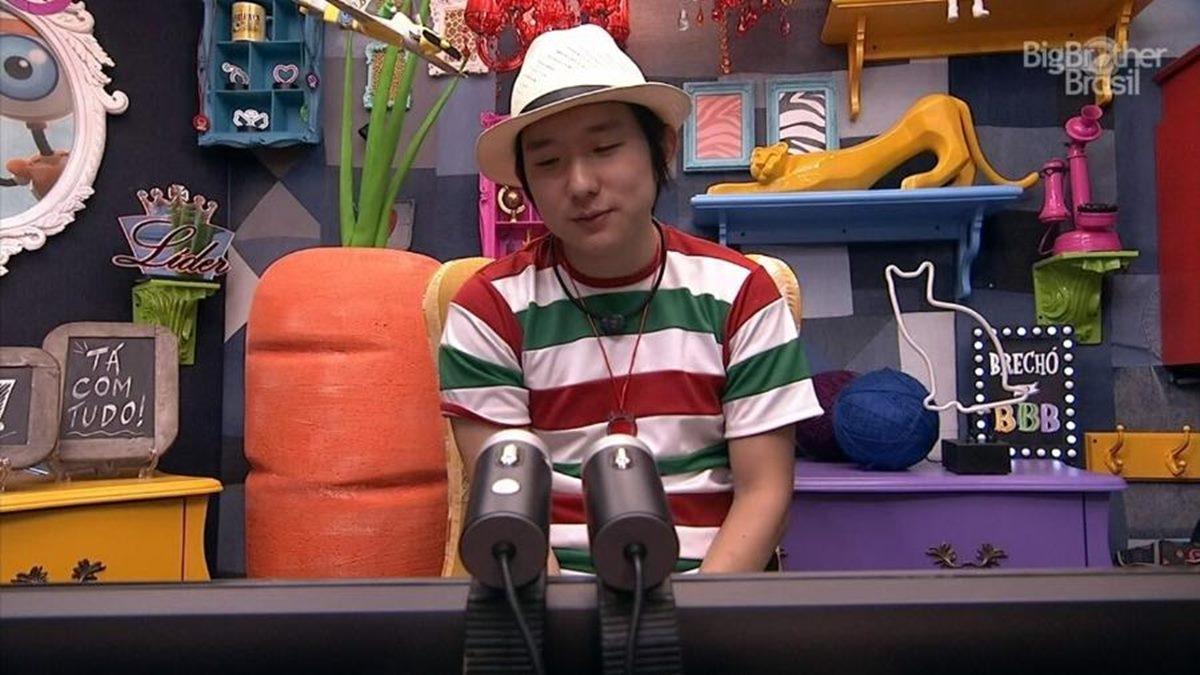 Pyong se desculpando depois das polêmicas causadas em uma das festas (Foto: reprodução/Globo)