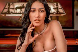 A cantora Simaria que faz dupla com Simone arrasando na sensualidade (Imagem: Instagram)