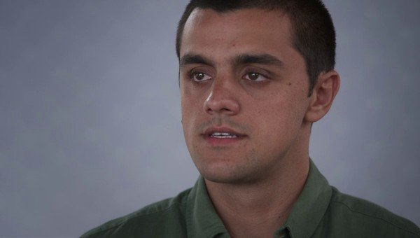 Felipe Simas interpreta Teo na novela Salve-Se Quem Puder (foto: reprodução/TV Globo)