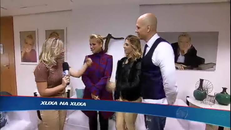 Xuxa encontra Xuxa no Esporte Fantástico, da Record (foto: reprodução)