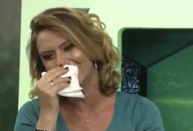 Débora de Oliveira foi demitida após sete anos na emissora de Silvio Santos (foto: reprodução/SBT)