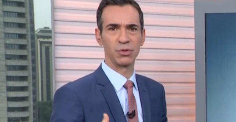 O apresentador Cesar Tralli se despediu de Felipe Andreoli no SPTV1 (Foto: Reprodução / Globo)