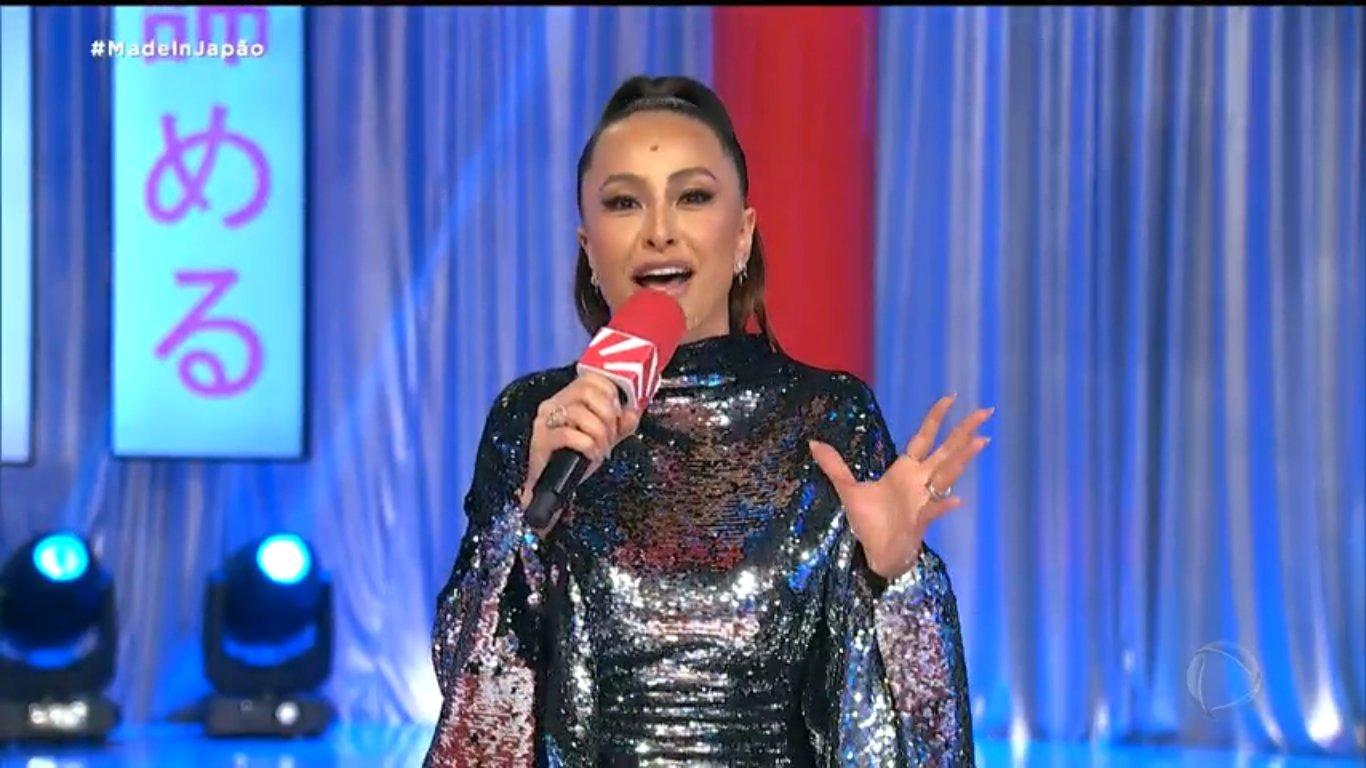 Sabrina Sato no Domingo Show; nova grade dominical da Record fracassou em audiência e perdeu para o SBT (Foto: Reprodução/Record)