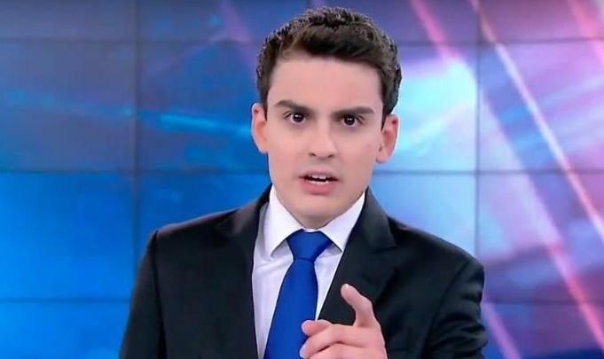 Dudu Camargo, apresentador do 'Primeiro Impacto' (Foto: reprodução/SBT)