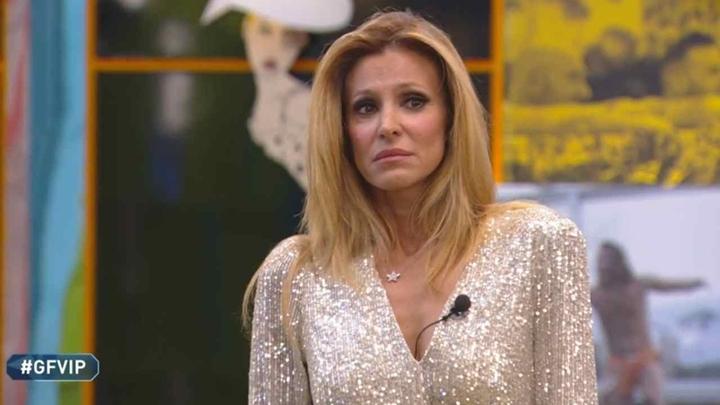 Adriana Volpe desistiu do Grande Fratello, versão italiana do Big Brother. (Foto: Reprodução)