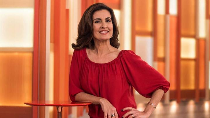 A famosa apresentadora do Encontro, Fátima Bernardes tem ocupado os seus dias fazendo lives (Foto: Reprodução)