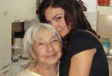 Isis Valverde ao lado da avó (Foto: Reprodução)