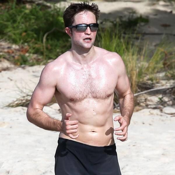 Robert Pattinson correndo na praia (Foto: Reprodução)