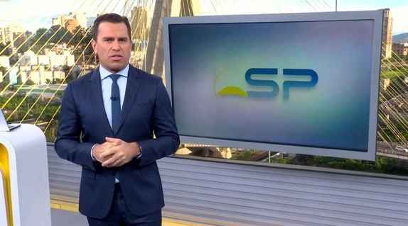 Rodrigo Bocardi apresenta o Bom Dia São Paulo da TV Globo (Foto: Reprodução/Globoplay)