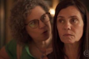Thelma (Adriana Esteves) vai enlouquecer de vez e matará a própria amiga em Amor de Mãe (Foto: Reprodução/Globo)