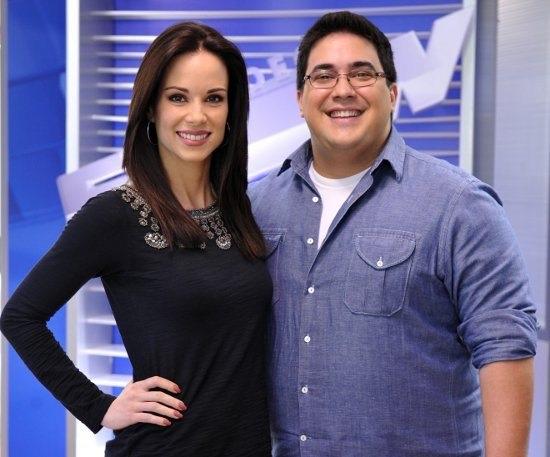 A apresentadora ao lado de André Marques no 'Vídeo Show' (Foto: reprodução/Globo)