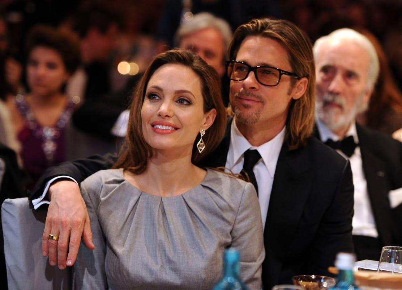 Angelina Jolie parece ter deixado Brad Pitt no passado e pode estar s e envolvendo com Bradley Cooper (Foto: Reprodução)