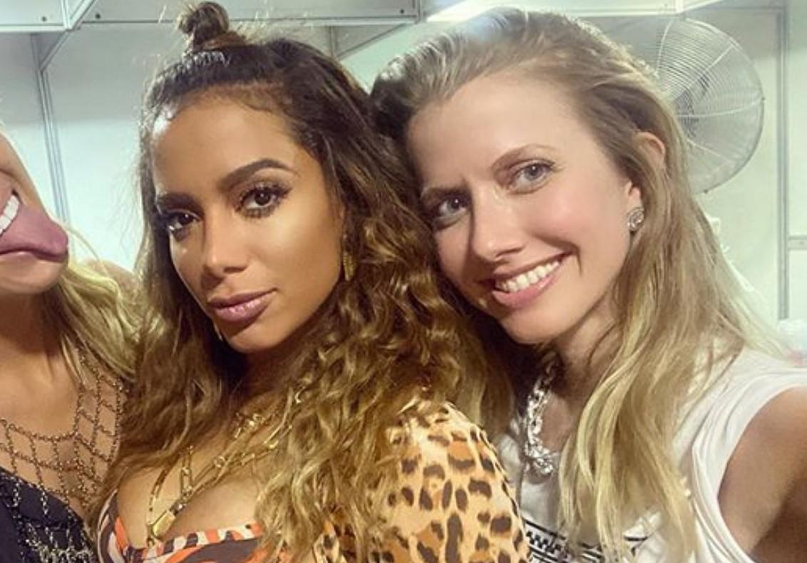 Anitta ao lado da amiga Gabriela Prioli - Foto: Reprodução/Instagram