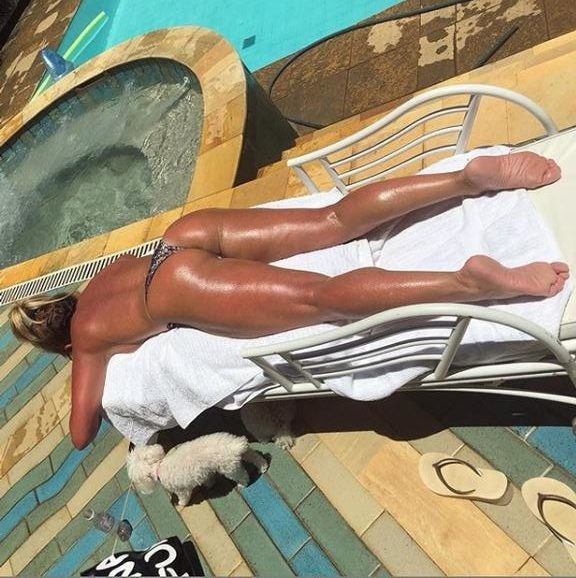 Christina Rocha fez topless e deixou o bumbum à mostra (Foto: Reprodução)
