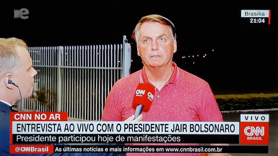 O presidente Jair Bolsonaro deixou a Globo pra trás e deu entrevista à CNN - Foto: Reprodução